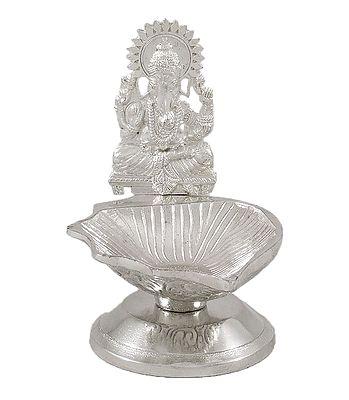Diyas and Puja Lamps