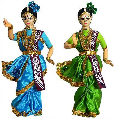 Dancers from Shantiniketan