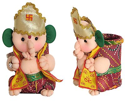 Ganesha as Priest - (Pen Stand)