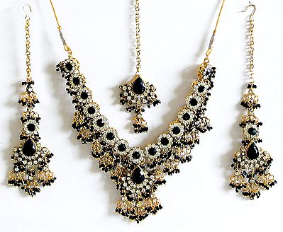 Black and White Stone Studded Necklace with Earrings and Maang Tikka