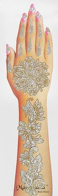 One Piece Golden and Silver Glitter Hand Mehendi