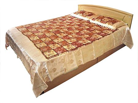 Satin Finish Double Bedspread with 2 Pillow Covers