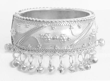 Metal Hinged Bracelet with Metal Beads
