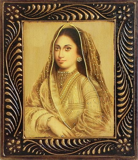 Nautch Woman - Wall Hanging