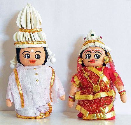 Bengali Bride and Bridegroom Doll Set