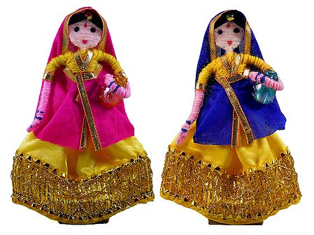 Pair of Gujarati Rural Women - Wire Doll
