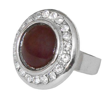 White and Dark Maroon Stone Setting Metal Ring
