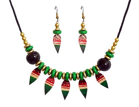 Green Wheel Bead Necklace with Leather Leaf and Earrings