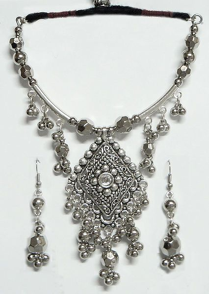 Metal Necklace with Diamond Shaped Pendant and Earrings