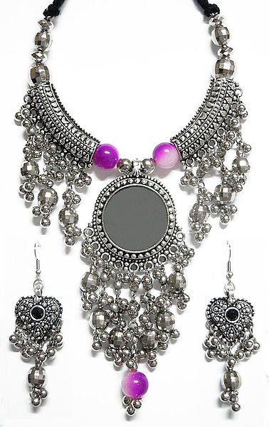 Metal Necklace with Jhalar Pendant and Earrings