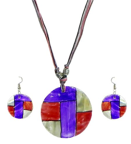 Lacquered Shell Pendant Set