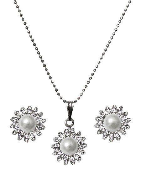 Faux White Zirconia and Pearl Pendant with Chain and Earrings
