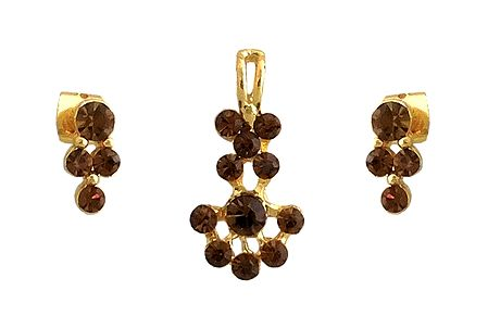 Brown Stone Studded Pendant and Earrings