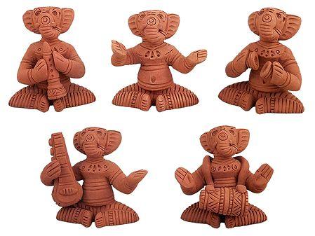 Musician Ganesha - Terracotta Statue