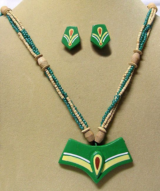 Wooden Bead Necklace With Green Terracotta Pendant And Earrings