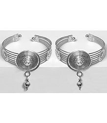Pair of Metal Cuff Bracelet