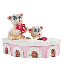Lovestruck Kittens - Plaster of Paris