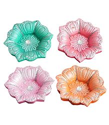 Set of 4 Colored Flower Design Oil Lamp