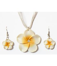 Off-White Flower Pendant in Thread Cord with Earrings