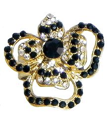 Black and White Stone Studded Flower Ring
