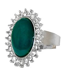 White and Dark Green Stone Setting Metal Ring