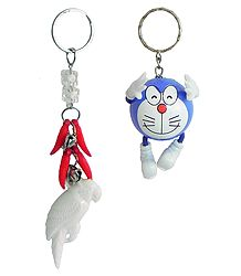 Key Ring with Doraemon and White Parrot
