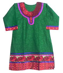 Self Design Green Kurta with Red Embroidery and Three Quarter Sleeves