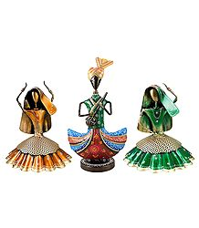 Multicolor Musician with 2 Women Dancers - Set of 3 Iron Statue