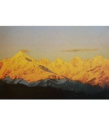 Sunset on Panch Chuli Peaks from Munsiyari, Kumaon - India - Photo by Anup Sah
