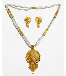 Bead Necklace with Gold Plated Pendant and Earrings