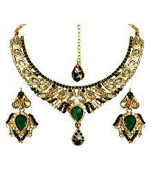 Stone Studded Adjustable Kundan Necklace Set