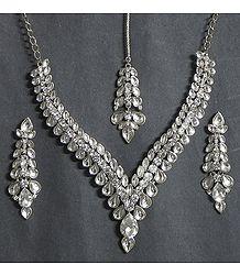 White Kundan Necklace Set with Mang Tika