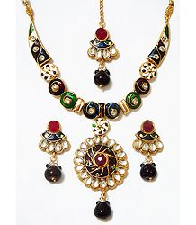 Green, Blue and Red Lacquered Necklace with Kundan Work Pendant, Earrings and Mang Tika