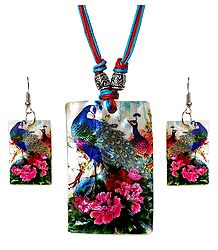 Peacock with Flower Print Shell Pendant Set