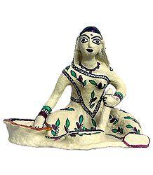 Village Woman Grinding Spices - Papier Mache Statue