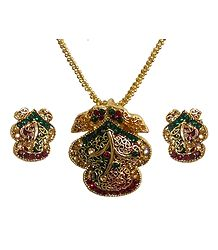 Green and Red Meenakari Jali Pendant with Earrings
