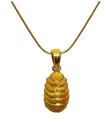 Golden Pendant with Chain