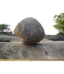 Balancing Rock, Mahabalipuram - Tamil Nadu, India