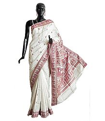 White Baluachari Silk Saree with Maroon Check, All-Over Boota and Woven Mahabharata Scene on the Pallu and Border