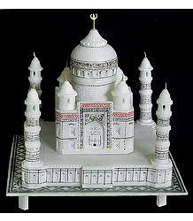 Taj Mahal - Shah Jahan's Memorial of Love for his Wife Mumtaz Mahal